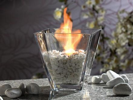 Asztali üveg biokandalló kövekkel